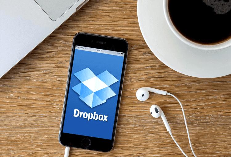 Dropbox випадково відновив файли, видалені 7 років назад