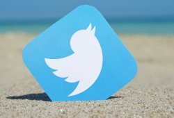 Інтернет Twitter розробляє нову платну статистику і досліджує попит на неї twitter