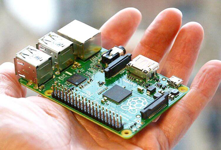 Raspberry Pi — повноцінний комп'ютер за 10$