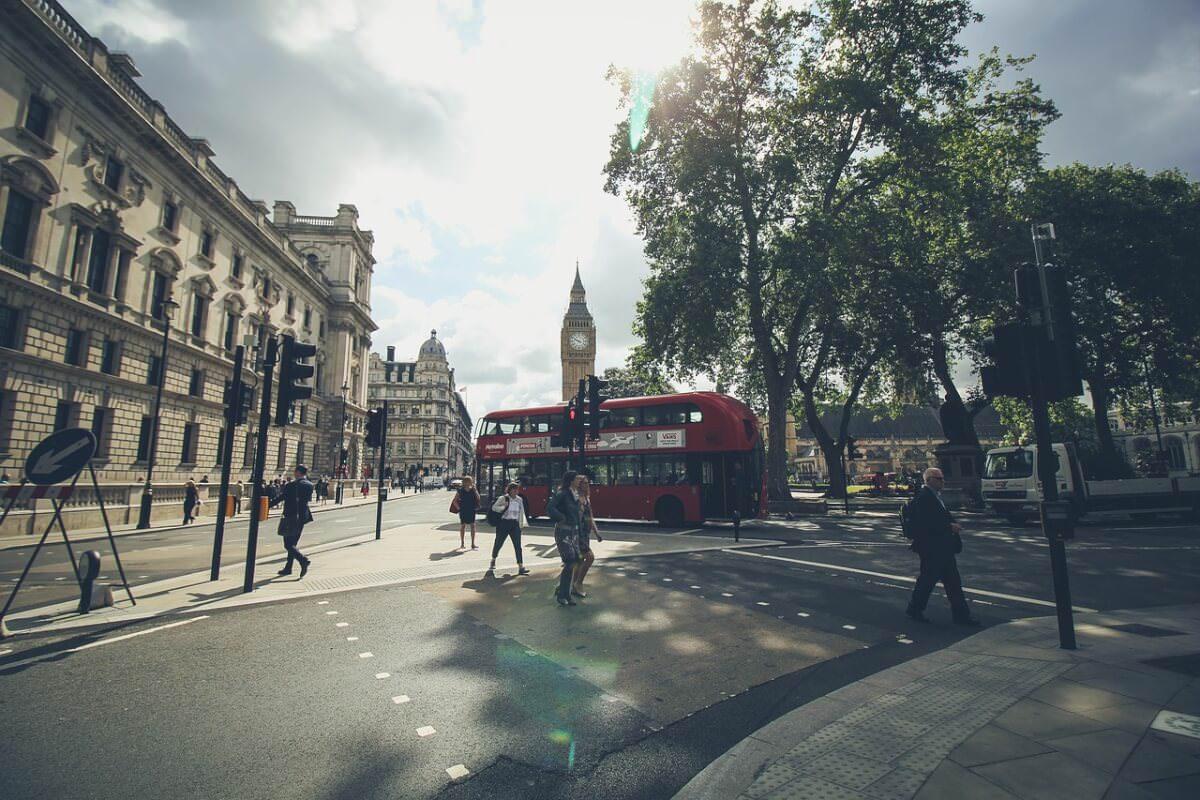 Британські музеї і метро слідкують за відвідувачами за допомогою телефонів