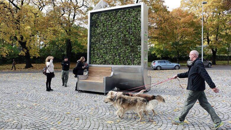 CityTree — панель з моху, що очищує повітря та заміняє 275 дерев
