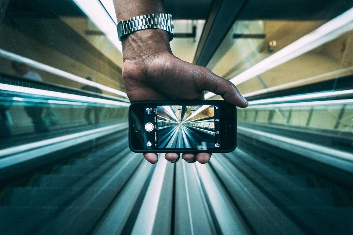 5G від Apple. Компанія тестує технологію передачі даних швидкістю 1 гігабіт на секунду