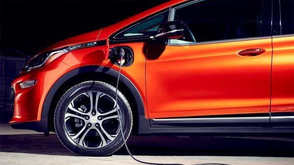 Американці винайшли автомобільний акумулятор, який можна заряджати за кілька секунд