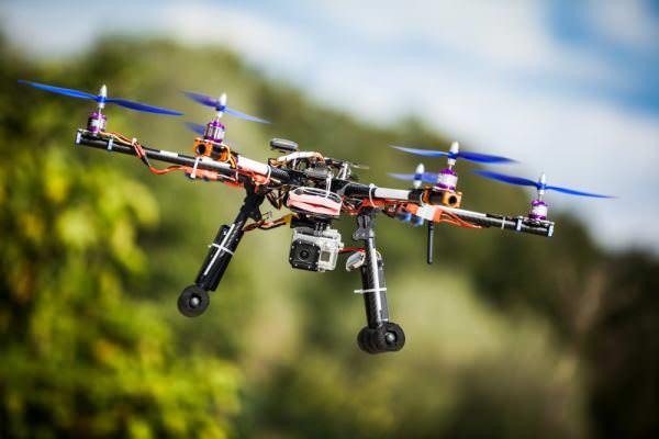 Британців змусять реєструвати дрони та складати іспити з керування ними
