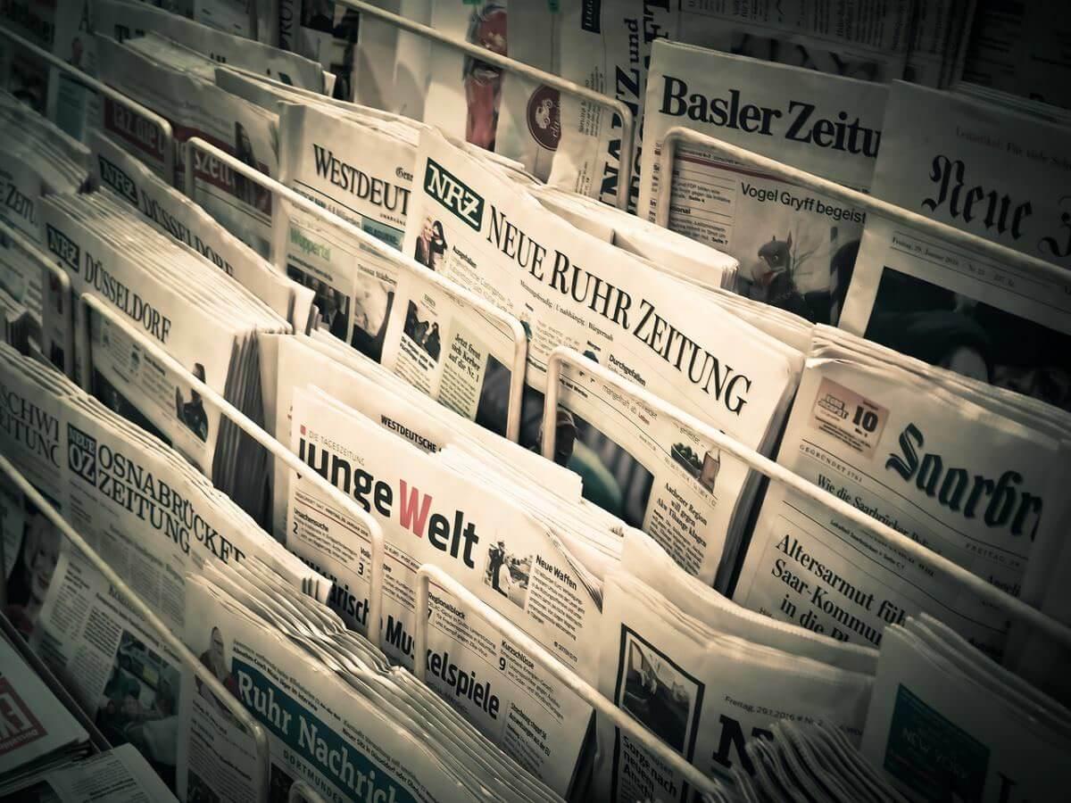 Світові ЗМІ про Україну: кібервійни, Майдан у Венесуелі та голі радники Ющенка