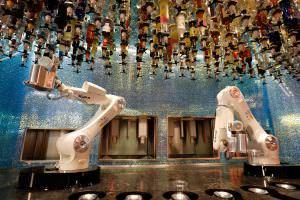 Технології У Лас-Вегасі відкрився бар, де барменами працюють роботи новина роботи сша
