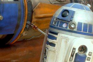 Життя На аукціоні невідомий купив робота R2-D2 із «Зоряних воєн» за майже 3 мільйона доларів сша у світі