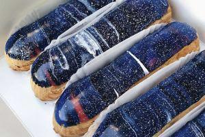 Життя Українські кондитери створили «галактичні еклери», які занадто гарні, щоб їх їсти Їжа Київ мистецтво україна