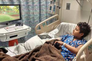 Життя В лікарнях США встановили ігрові консолі, що дозволять дітям грати, лежачи у ліжку Канада новина сша у світі