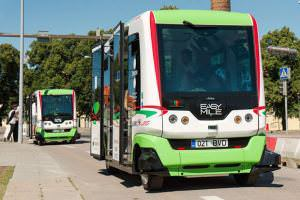 Життя У Таллінні безпілотний електроавтобус порушує правила дорожнього руху Автобус естонія новина