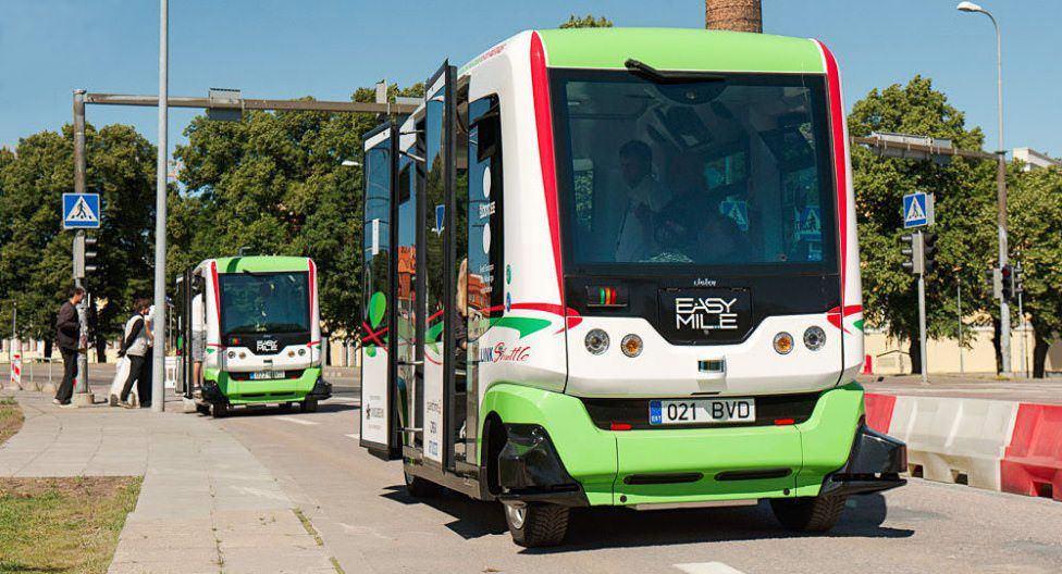 У Таллінні безпілотний електроавтобус порушує правила дорожнього руху