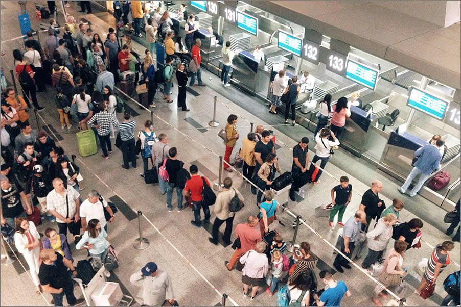 Збій програмного забезпечення паралізував роботу десятків аеропортів по всьому світу