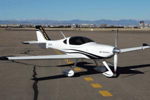 Технології Двомісний електролітак Sun Flyer вигідніший та комфортніший за бензинові аналоги новина сша транспорт