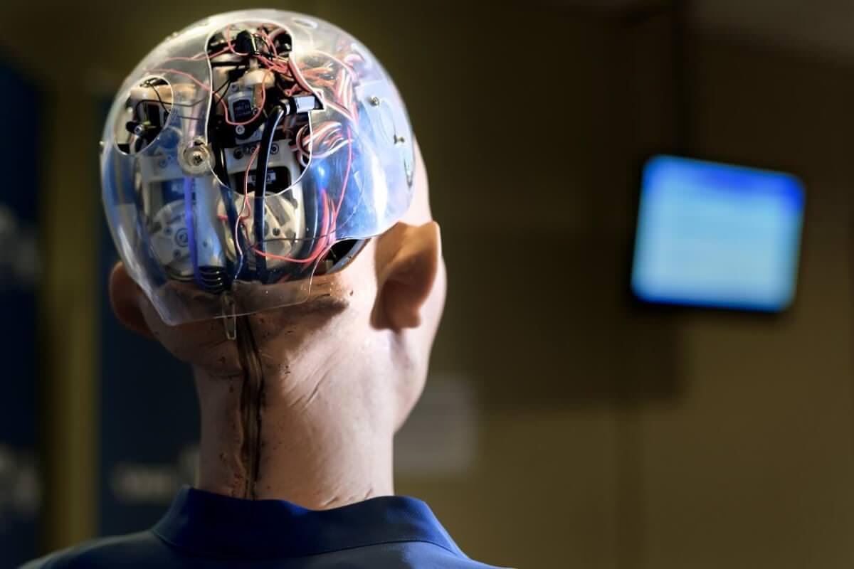Штучний інтелект створюватиме чернетки статей для журналістів Forbes