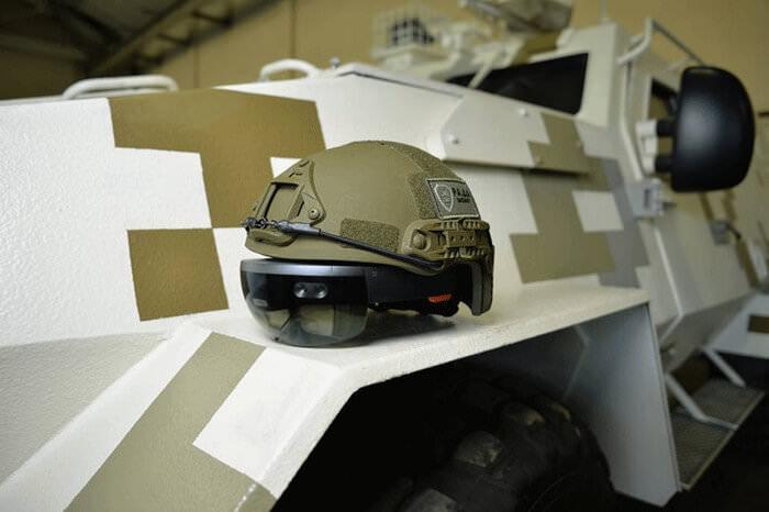 Українська компанія показала, як працює шолом із доповненою реальністю для військових