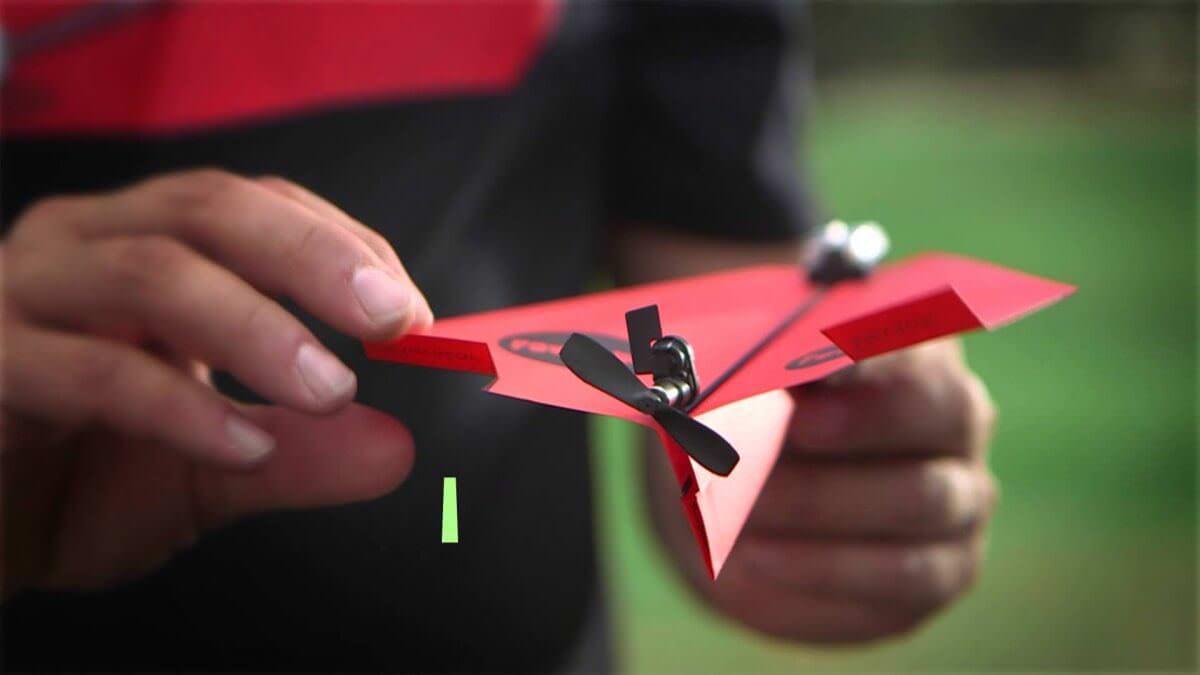 Розробник паперового літачка, яким можна керувати через смартфон, зібрав на Kickstarter 1,7 млн замість 25 тис. $