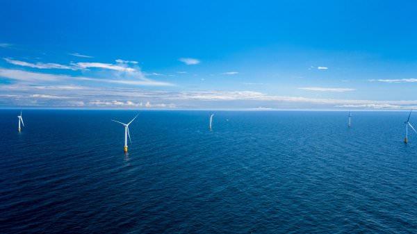 Біля берегів Шотландії з'явилася перша в світі плавуча вітроелектростанція