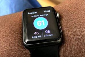 Життя Розумний годинник Apple Watch діагностував захворювання і врятував життя своєму власнику apple apple watch здоров'я Розумний годинник сша