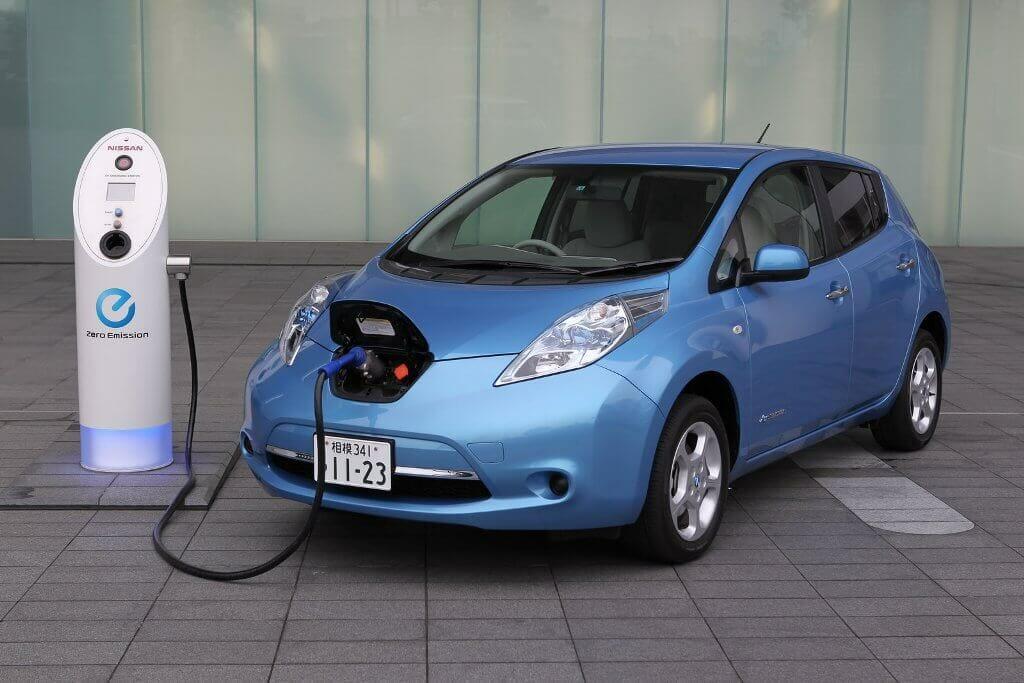 В Україні на рік скасували податки на імпортні електрокари, ціна авто може зменшитись на 17%