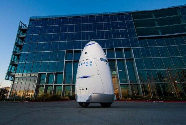 Роботи у Сан-Франциско зганяють безпритульних людей з тротуарів