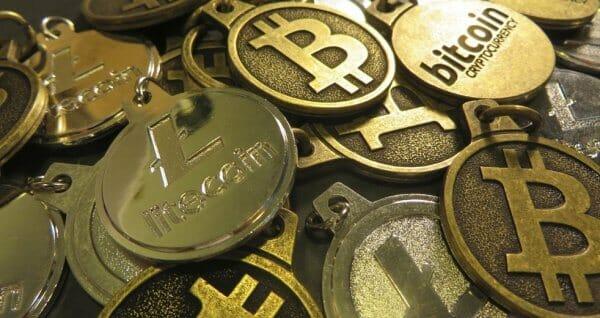 Верховна рада обговорює  введення національної криптовалюти та земельних онлайн-торгів