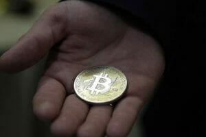 Життя Американка за допомогою біткойна допомагала терористам з ІДІЛ bitcoin криптовалюти новина сша у світі