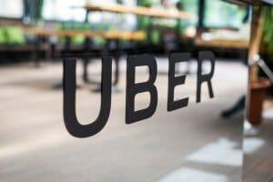 Життя Uber Україна дозволить лишати «чайові» та відкриє офіс у Києві uber Київ новина україна