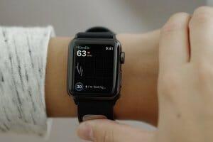 Технології Вчені створили перший зчитувач кардіограм для розумного годинника apple apple watch здоров'я новина Розумний годинник сша штучний інтелект