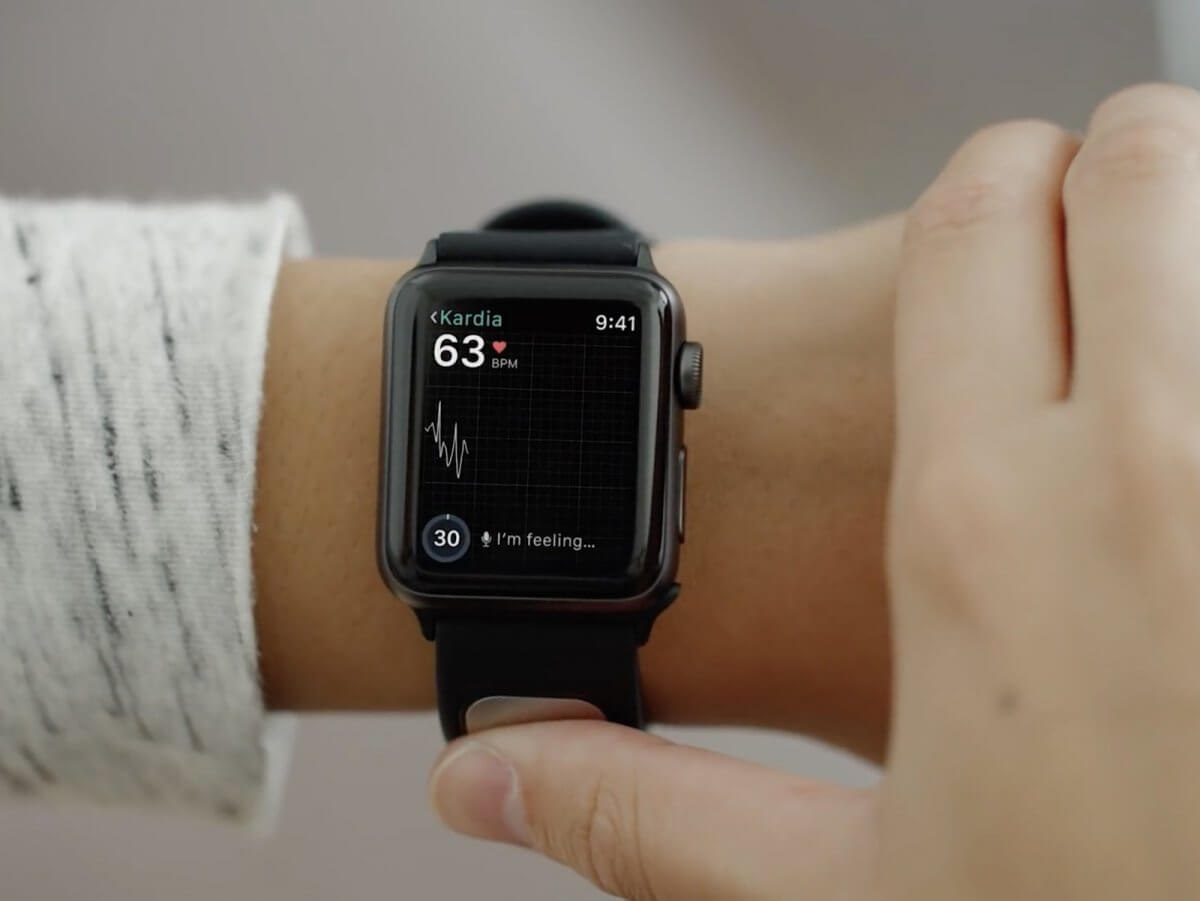 Вчені створили перший зчитувач кардіограм для розумного годинника