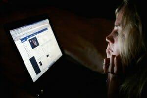 Інтернет Facebook визнає, що постійне гортання стрічки новин погіршує психологічний стан facebook новина психологія сша у світі