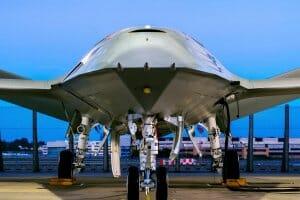 Технології Компанія Boeing створила дрон, який може заправляти винищувачі прямо в повітрі авіа дрон новина сша у світі