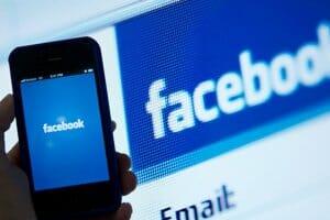 Інтернет Червоні позначки фейкових новин на Facebook привертають увагу замість попереджати про небезпеку facebook безпека новина сша