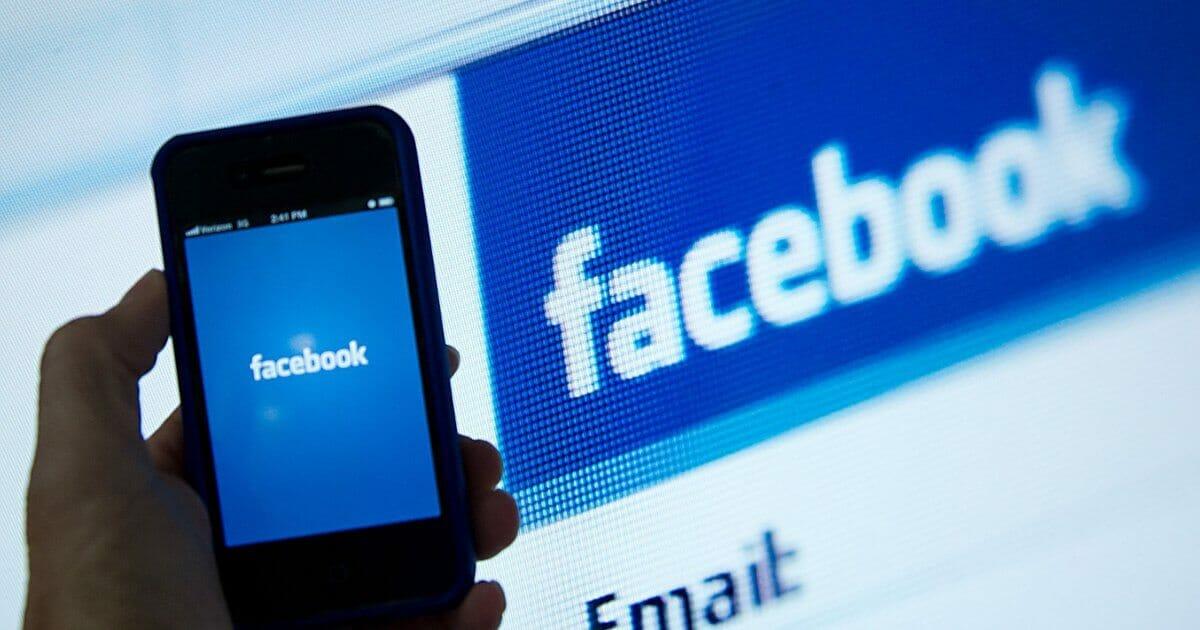 Червоні позначки фейкових новин на Facebook привертають увагу замість попереджати про небезпеку