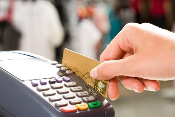 До 2020 року всі українські продавці мають перейти на безготівковий розрахунок
