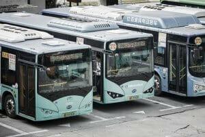 Життя У китайському місті Шеньчжень всі міські автобуси замінили на електричні Автобус електромобіль кнр новина транспорт у світі