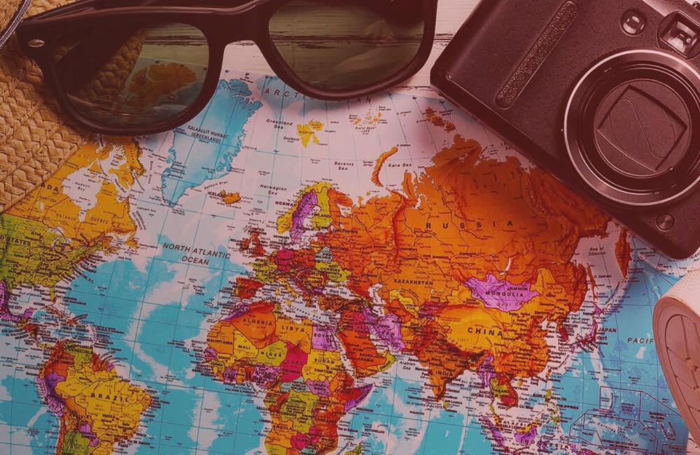 У МЗС створили додаток «ДРУГ», що має допомагати туристам за кордоном