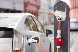 Життя У Вінниці електромобілісти за власні кошти встановили 13 зарядних станцій авто Вінниця електромобіль енергетика новина транспорт україна