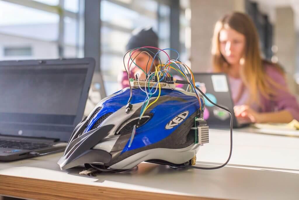 Львівський студент розробив «розумний» велошолом