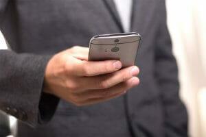 Інтернет Два додатки, що мають бути у кожного юриста добірка додатки законодавство смартфони україна