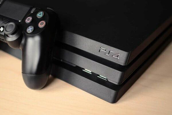 Український програміст зламав останню версію прошивки Sony PlayStation 4