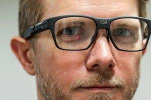 Технології Винайшли розумні окуляри, що проектують зображення на сітківку ока Доповнена реальність наука новина сша у світі