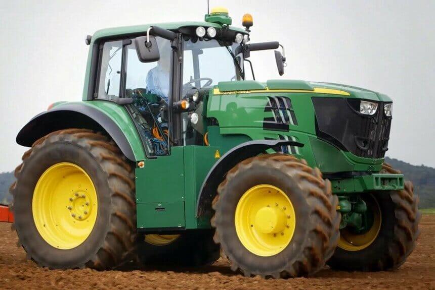 Українські програмісти ламають ПЗ тракторів John Deere для фермерів з Небраски