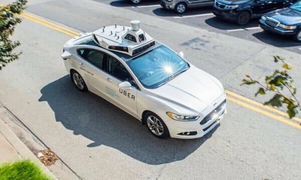 2019 року Uber буде розвозити пасажирів машинами без водіїв