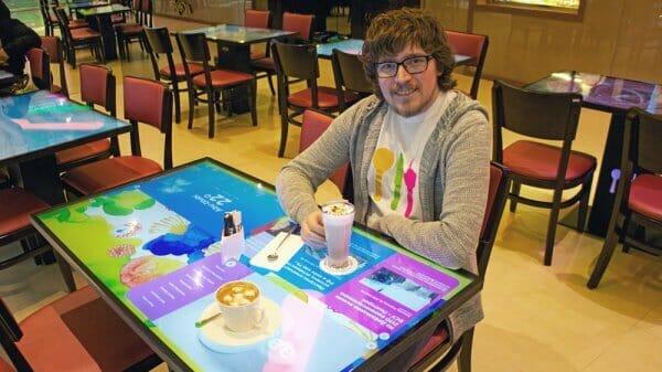 Українські сенсорні столи для ресторанів запрацювали у Львові та Києві