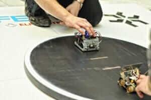 Технології Український робот потрапив до трійки лідерів на міжнародних змаганнях із робототехніки новина роботи україна харків
