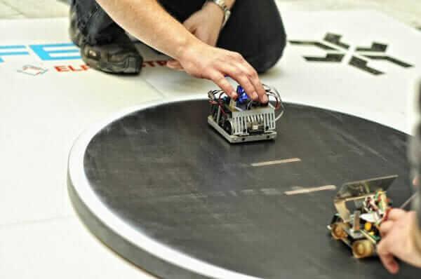 Український робот потрапив до трійки лідерів на міжнародних змаганнях із робототехніки