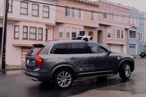 Життя Uber припинив випробування самокерованого авто після загибелі пішохода uber безпека новина сша транспорт