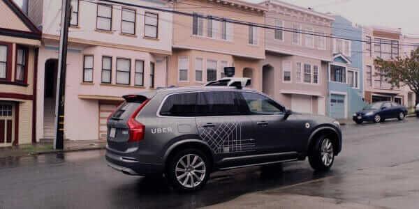 Uber припинив випробування самокерованого авто після загибелі пішохода