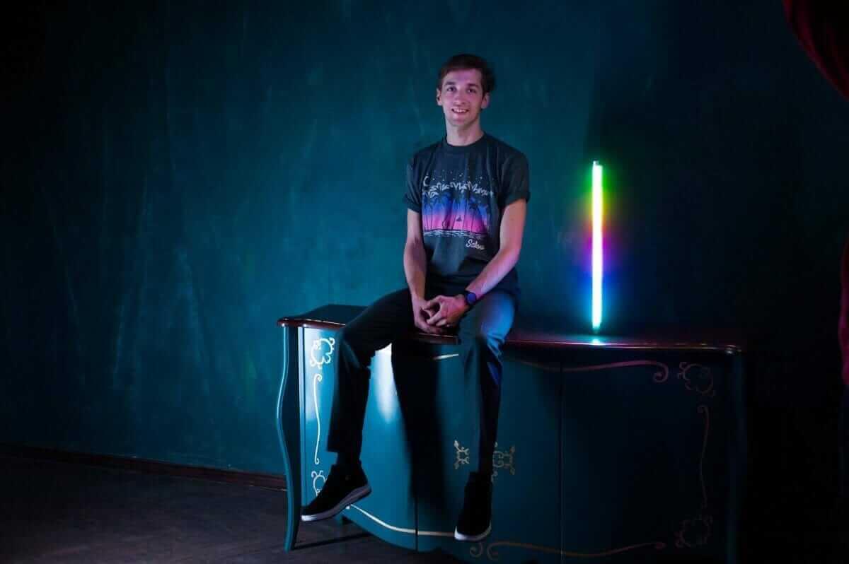 Українець винайшов LED-лампу, яка створює неймовірне освітлення для фото в Instagram