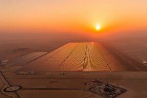 Технології У пустелі Сахара будують найбільшу в світі сонячну електростанцію енергетика новина сонячні батареї